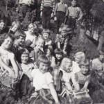4.skulklasse på tur opp Ansneslia