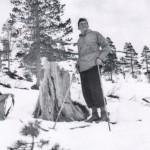 32Gudmund Kårvatn Halle veed Kvilarsteinen i Dalalia