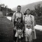 4 ram_famililien Ørsal på tur i 1942