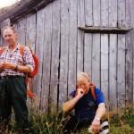 18 Eivind Grønmyr og Johan K. Ørsal ved eldhuset Øyasetra