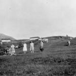 4 Seterfjøsa på Nordviksetra i bekgrunnen