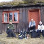 8 Gammelsetra Magne, John Bjarne og Kristina Svinvik