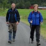 Oddvar og Gunnvor Kvande på veg ut frå Bordholmen. Foto: Jon Olav Ørsal