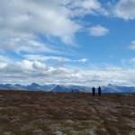 15 Jon, Svanhild og Ingunn på Vardan