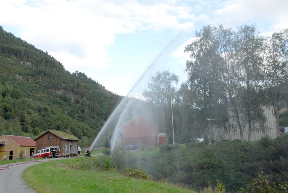 illustrasjonsbilete frå ei brannøving i Todalen.  Arkivfoto. Jon Olav Ørsal