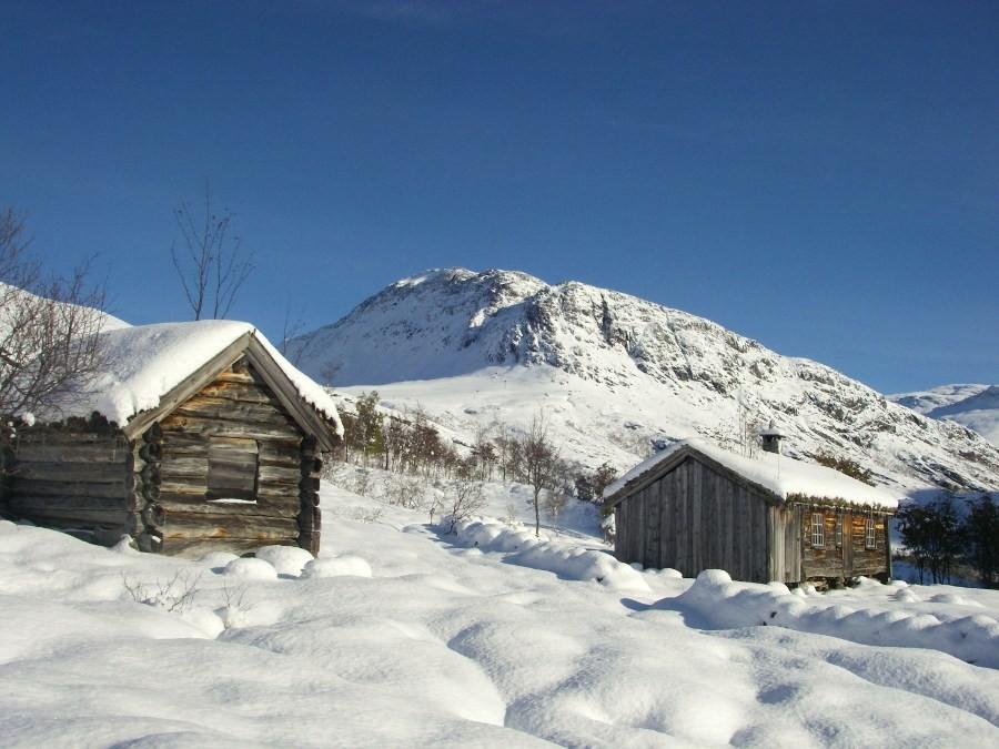 Tidleg  vinter  i  Naustådalen