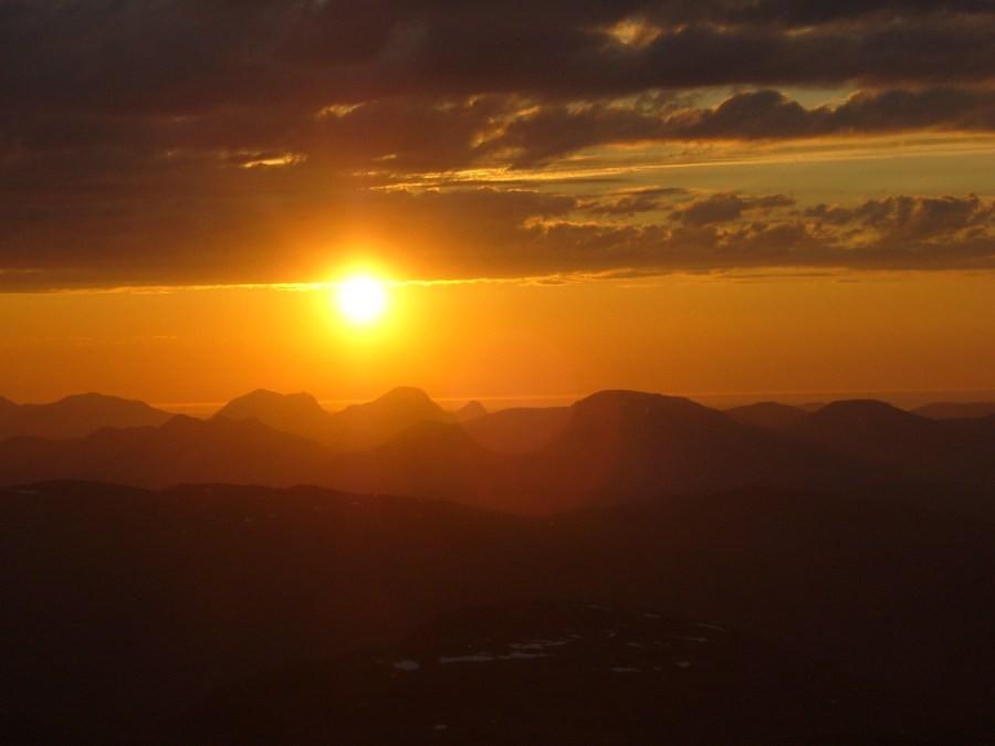 Solnedgang  sett  fra  Sula