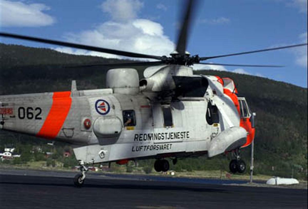 Redningsøving  med  helikopter