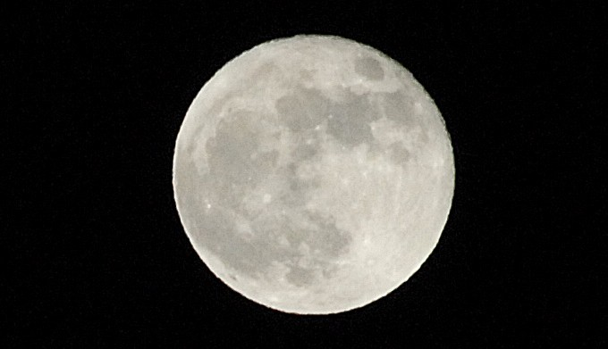Laurdag kveld var månen ekstra stor