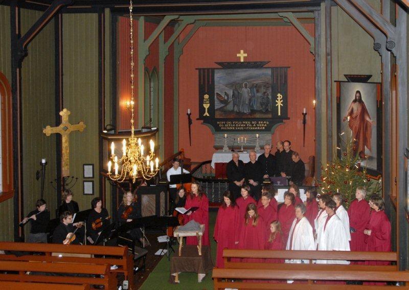 Triveleg  julekonsert  i  kyrkja