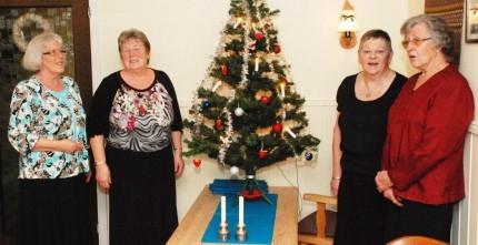 Bodil, Jorunn, Grete og Brit som sto for førsteklasses mat og vertskap. Foto: Reidar Østvik