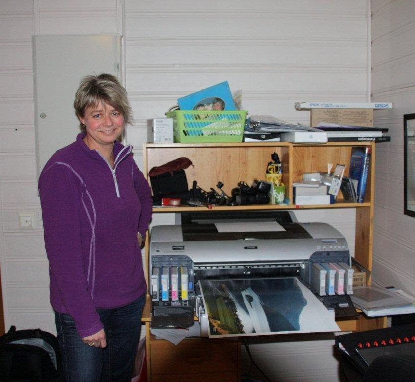 Kristine  med  eige  studio