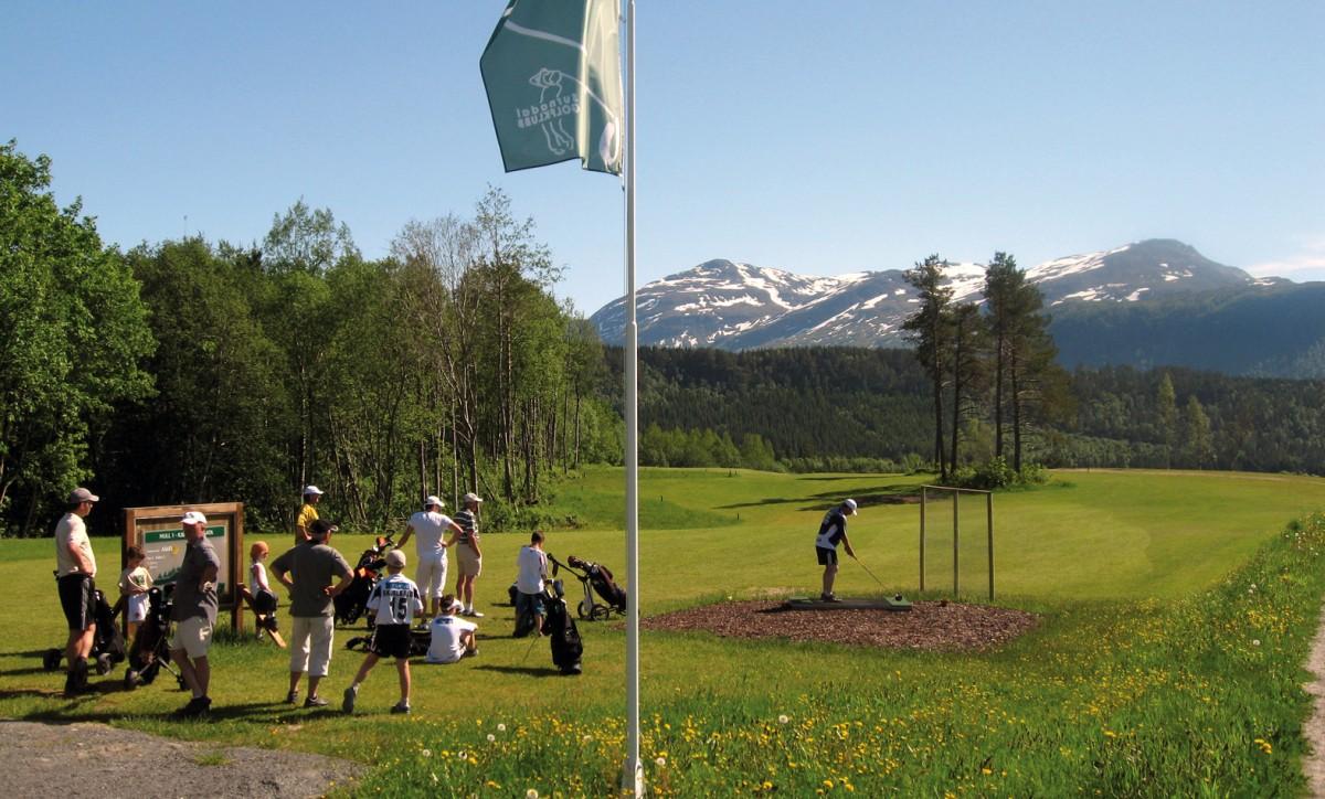 Illustrasjonsbilde fra aktiviteter i Surnadal Golfpark.