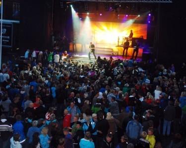 Åge Aleksandersen skapte liv under Norsk Laksefestival 2011.