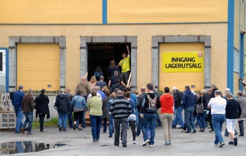 Pangstart på lagersalget på Talgø