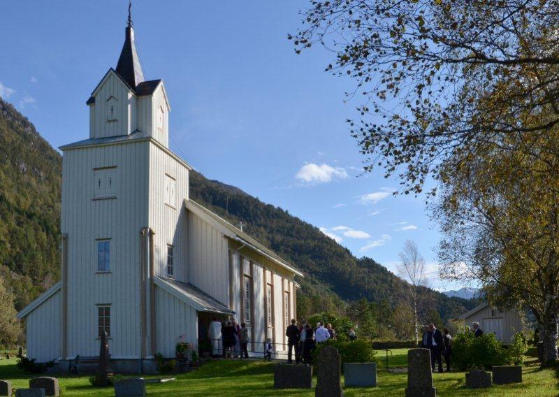 Todalen kyrkje - arkivfoto: Jon Olav Ørsal