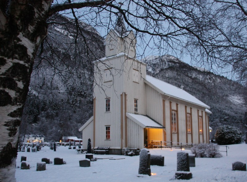 Søndag: Gudsteneste i Todalen kyrkje kl 19.30