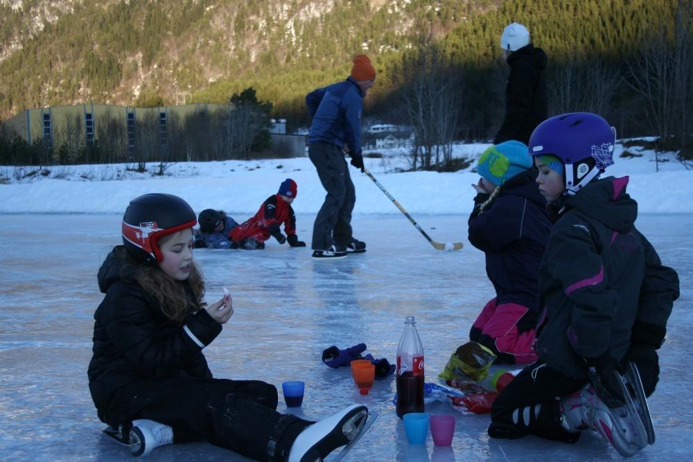 Moro på isen på Bordholmen!