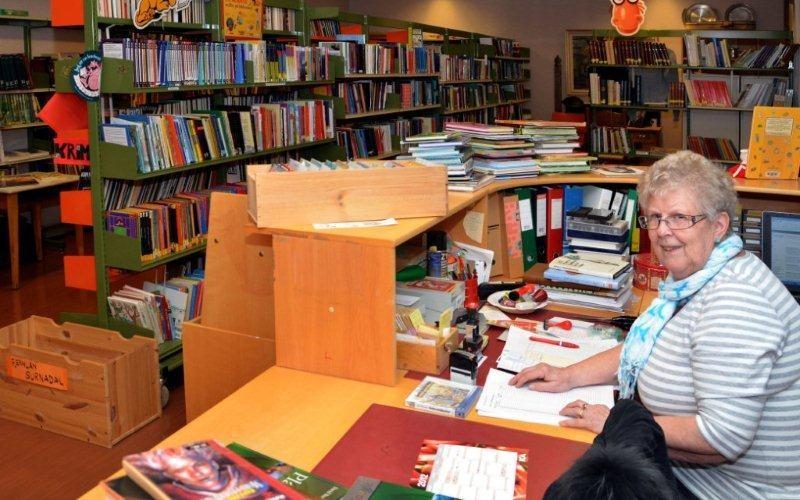 Første  opningsdag  i  biblioteket  –  torsdag  11.  april