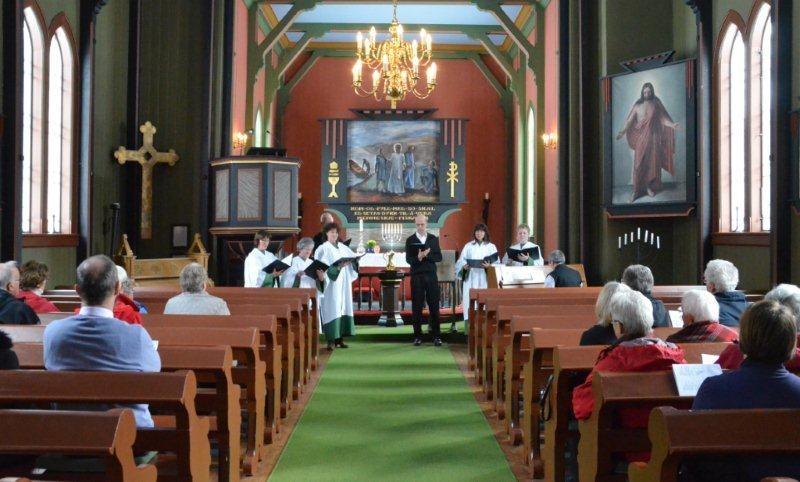 Gudstenesta vart i kyrkja