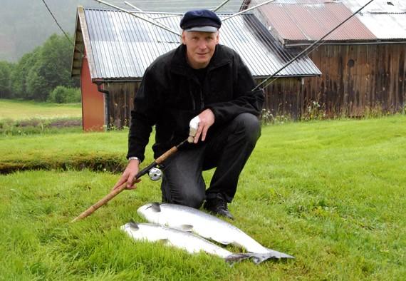 Fredag  15.  juni:  Laksefisket  startar