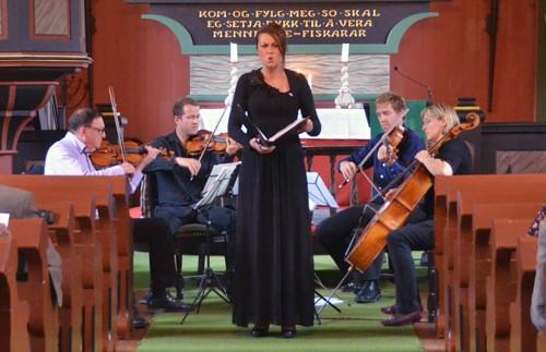 Fiskum  Quartet  &  Sigrid  i  kyrkja
