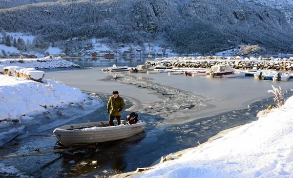 Is  på  småbåthamna
