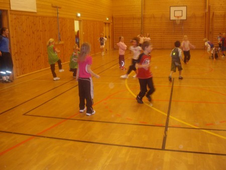 Oppstart  med  barneidrett  på  Stangvik  skule