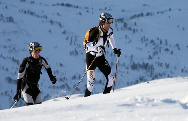 Ola Berger i tet, med Ola Hovdenak hakki hel.  Arkivfoto: Ivar Bolme