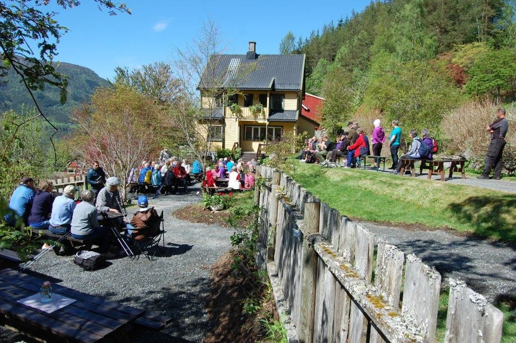 Aktivitetsdag og stavgangtur til Svinvika