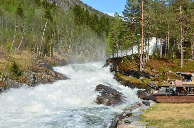 Yr.no: Mykje nedbør og store elvar