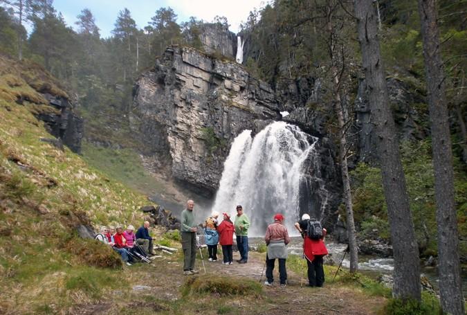 Sesongslutt  til  Myrvang  og  Nauståfossen