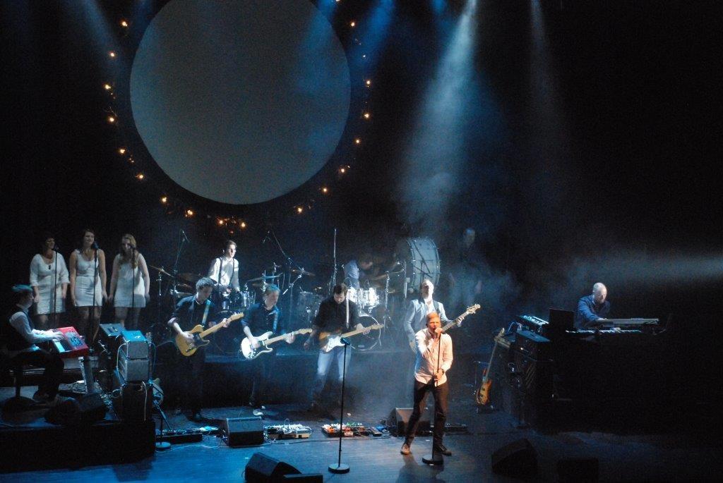 Siste dans med «Surnadals hyllest til Pink Floyd» på Laksefestivalen