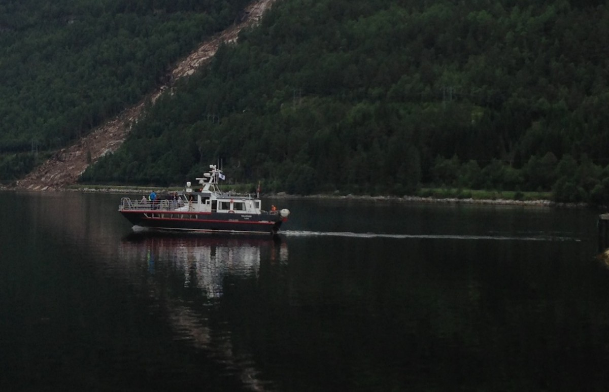 Rutebåten går om Svinvika