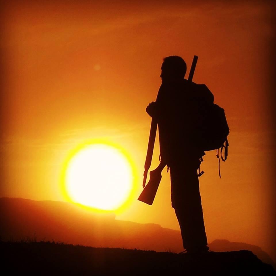 Månadens bilete: Rypejakt i solnedgangen