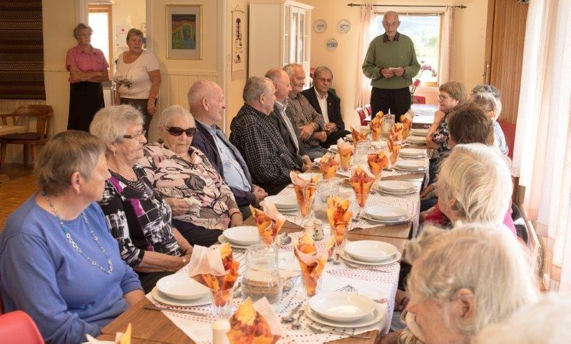 Frå middagen. Arkivfoto Reidar Østvik