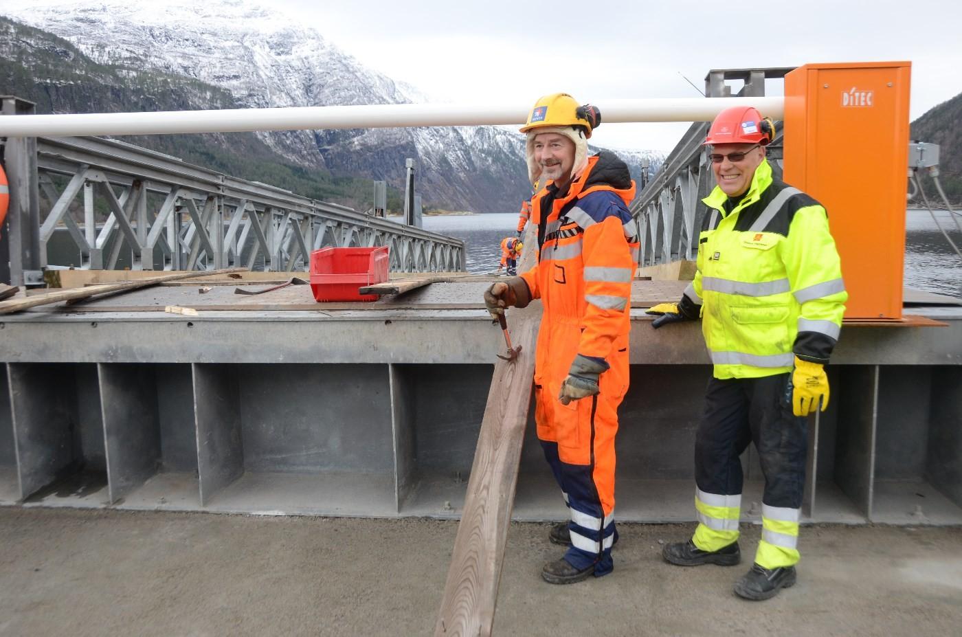 Arve Arntsen frå Mesta og Gunnar Magnus Haugen frå Vegvesenet.  Foto: Jon Olav Ørsal