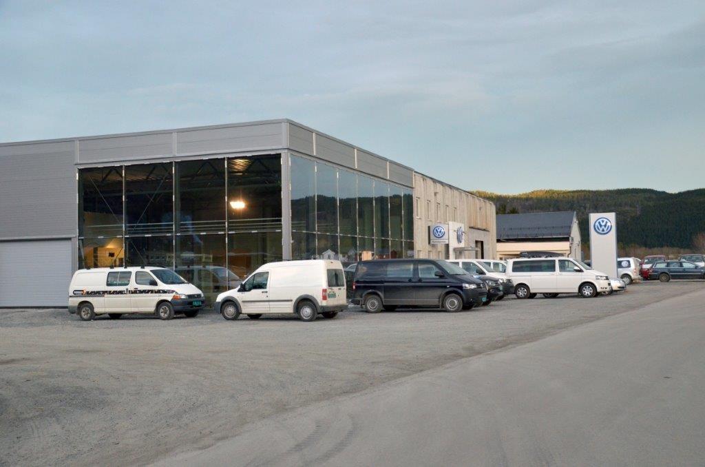 Ny fasade for Sveen Auto As. I mars er det klart for nyopning.  Foto: Jon Olav Ørsal