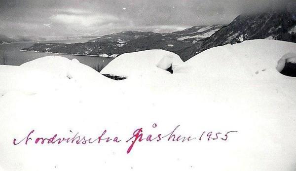Bilde frå påska 1955.  Foto:Olaf Nordvik (Gammelstun)