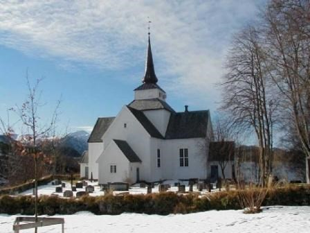 Besøk i Aure kyrkje er ein del av programmet på turen.  Foto: Rune Stavås