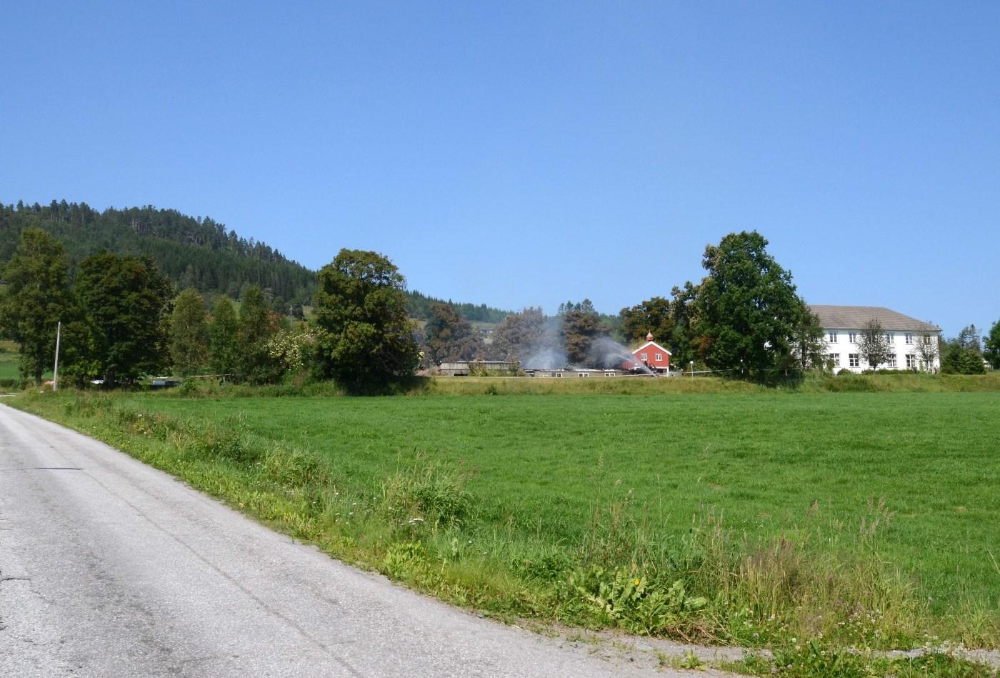 Slik såg branntomta ut torsdag ettermiddag.   Foto: Jon Olav Ørsal