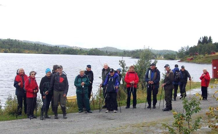 Vi gjekk frå hytta til Ingolf Dønnem og til Krokvatnet. Her har vi  kome fram til Krokvatnet.  Foto: Vidar Sogge