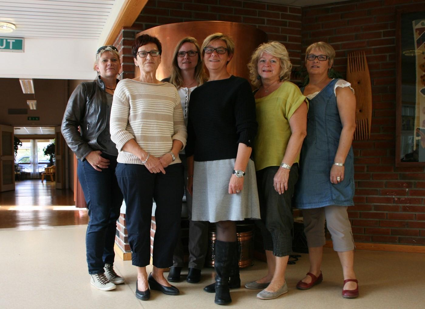 Arrangerer kurs for pårørende. Frå venstre Aud Helgetun, Ingrid Løfald, Gunnhild Eidsli, Ann Kristin Tørset, Liv Botten og Marit Foss.  Foto: Trollheimsporten