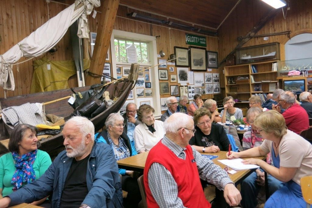 Det var mykje folk på Sjøbruksmuseet da Bøfjord historielag arrangerte fjorddag.  Foto: Dordi Jorunn Halle 2014