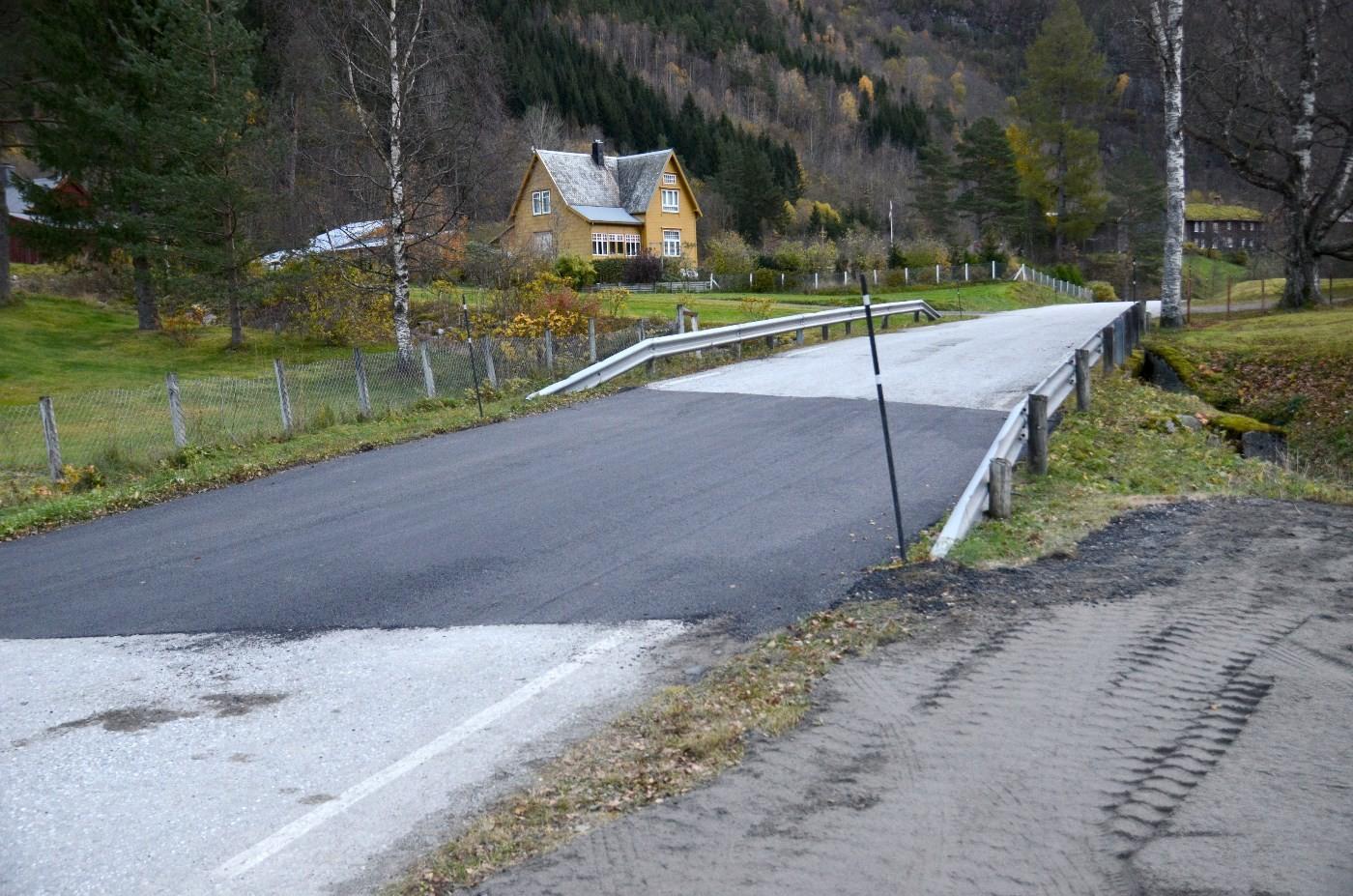 Spretthoppen ved Lauvåbrua er borte!  Foto: Jon Olav Ørsal
