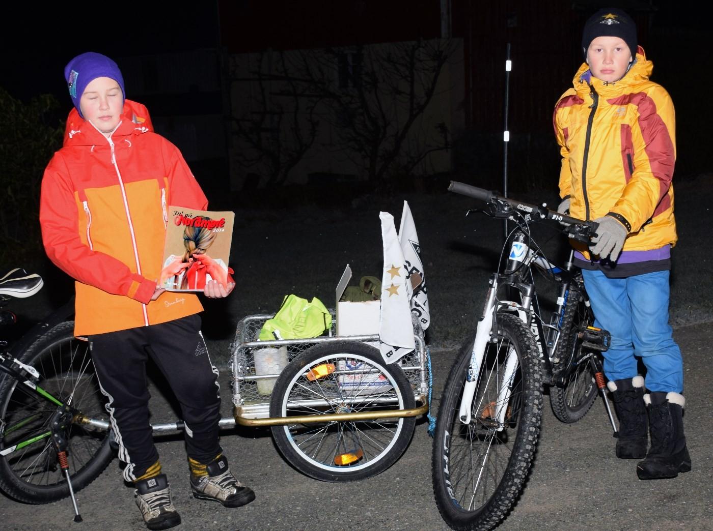 Ola og Eivind er ute på salsturne med Jul på Nordmøre