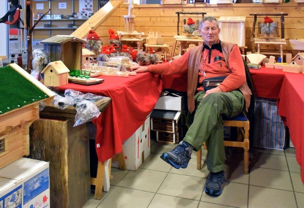 Bernt Jørgensen er veteran i brnasjen og har delteke på julemesser i mange år.  Foto: Jon Olav Ørsal