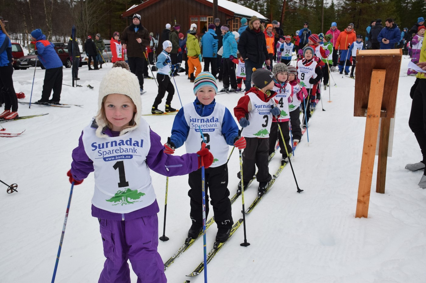 Marte, med startnummer 1 er klar til start på årets første sonerenn på vang. Foto: Driva/Jon Olav Ørsal