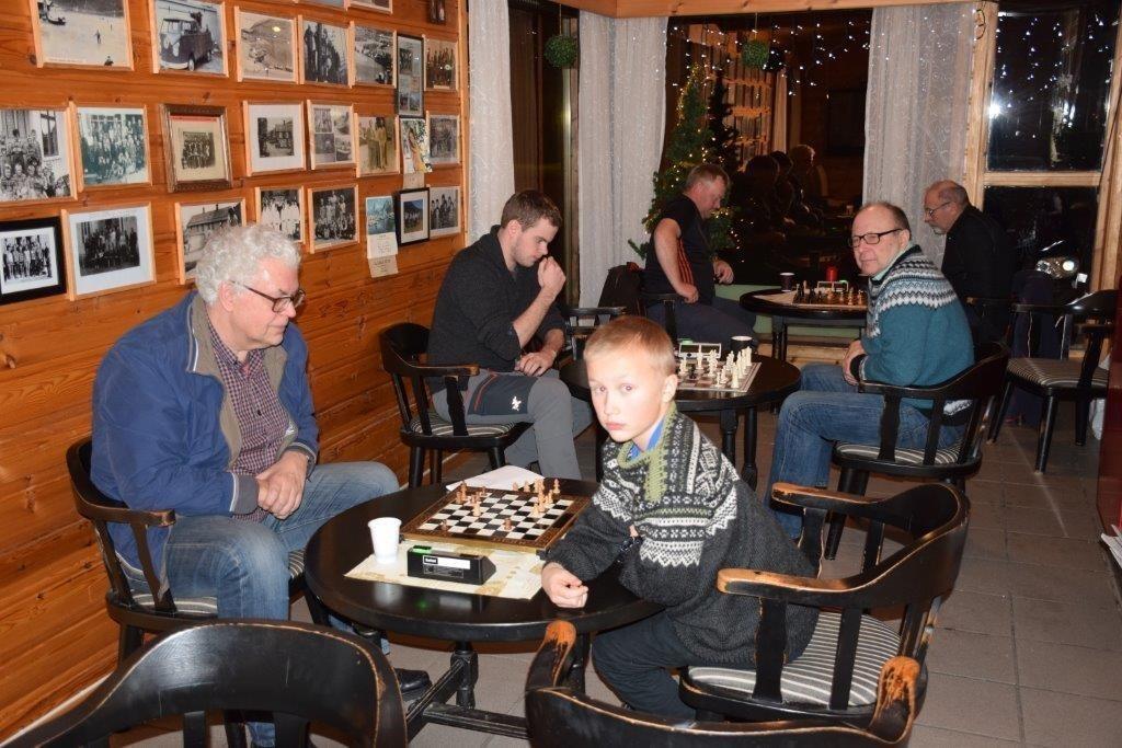 Første kvelden på nyåret var det deltakarar frå 12 år og oppover... Foto: Jon Olav Ørsal