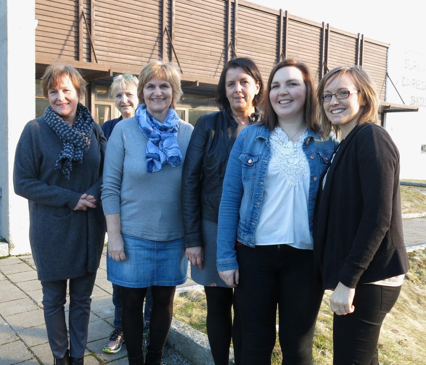 Frå venstre:  Wenche Fjeldset, Liv Grete Stenberg, Ann Helen Gjerdevik, Arnhild Sæter, Trine Eggan og Ingvild Kårvatn.  Foto: Dordi Jorunn Halle